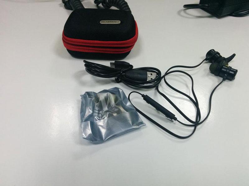 Review Brainwavz Blue 100 Good Bluetooth Earphones India