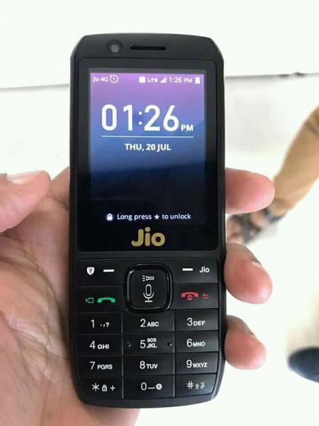JIO Phone closer Look